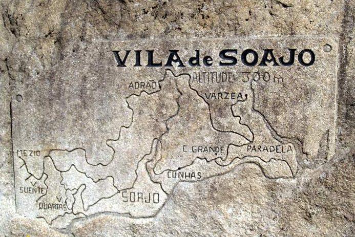 Mapa da Vila de Soajo esculpido em pedra